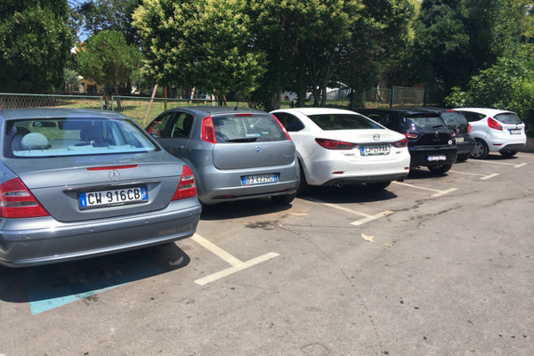 Parking ispred dispanzera